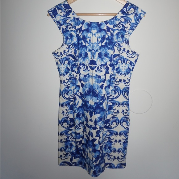 Forever 21 Dresses & Skirts - Blue and white floral dress